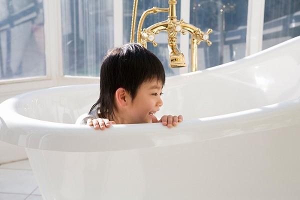 Nổi mề đay có được tắm không?