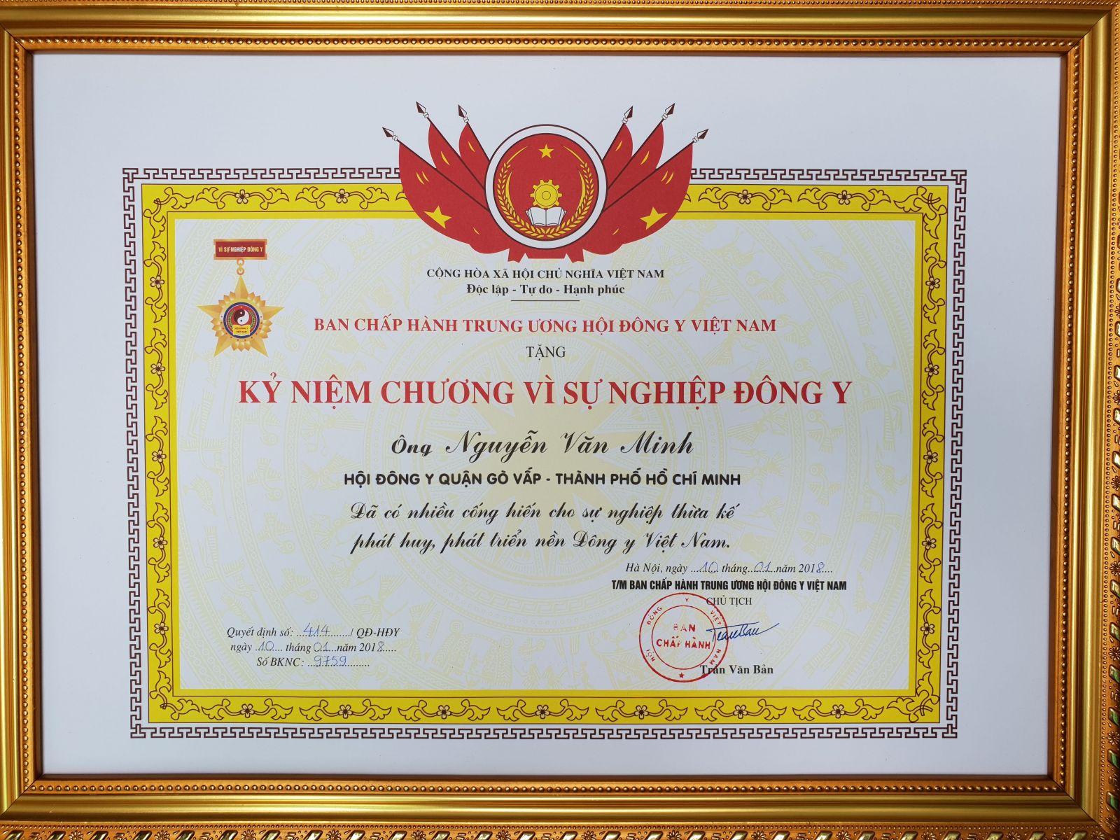 Bằng khen của lương y Nguyễn Văn Minh